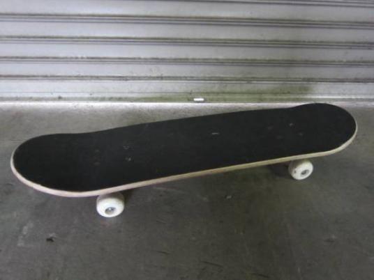 TWISM スケボー スケートボード